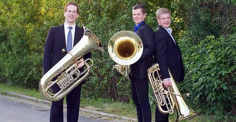 Középen: Lukács Endre Gergely